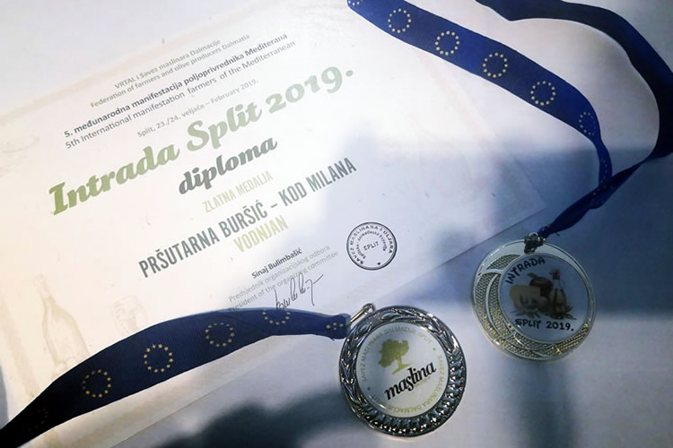 Awards for Istrian prosciutto and olive oil